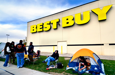 People camping outside of Best Buy waiting for Black Friday