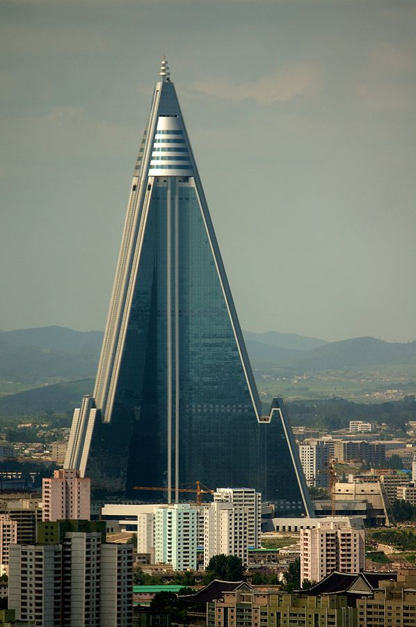 598px-Ryugyong_Hotel_-_August_2011