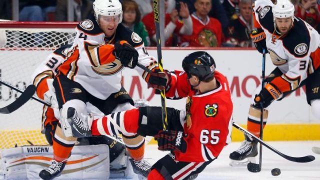 Ducks Blackhawks Hockey-1